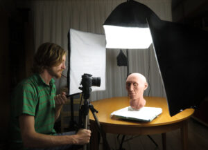 Photographing the skinned reconstruction. Photo by Maja d'Hollosy.
